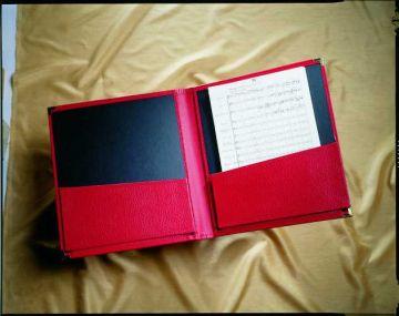 Orchestermappe in Standard-Größe mit zwei dehnbaren Einstecktaschen